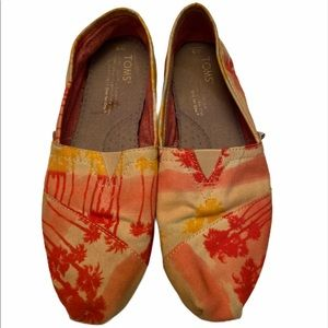 TOMS Tropical Print Canvas Flats